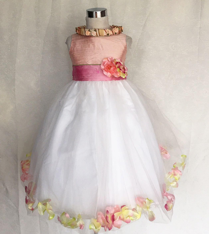 c717d207e5 Koszorúslány ruha KO 019 : púder rózsaszin -mályva tűl szirmos koszorúslány  ruha